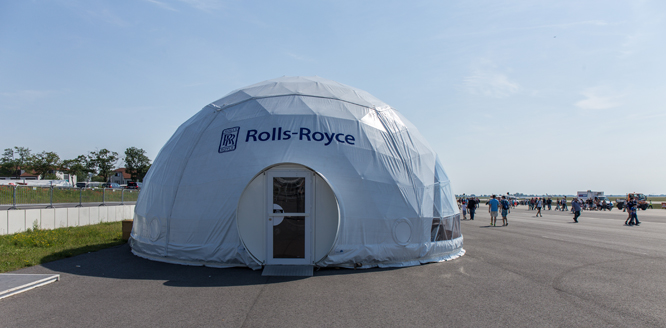 rolls royce ila berlin welcome to domzelt deutschland exclusive mobile geodesic domes. Black Bedroom Furniture Sets. Home Design Ideas